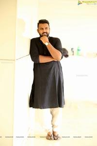 Tharun Bhascker Dhaassyam Photos