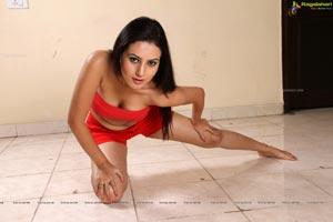 Anu Smruthi Red Hot Photos