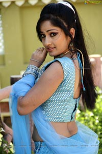 Download Madhavilatha Photos