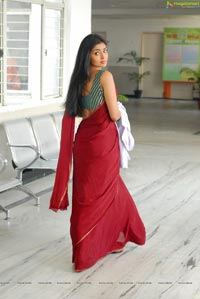 Beautiful Shriya draped in a Saree