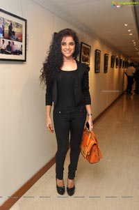 Piaa Bajpai at Back Bench Student Photo Exhibition