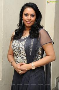 Singer Madhoo Photos