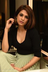 Shraddha Das in Long Green Skirt