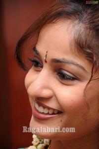Madhavi Latha Photo Session