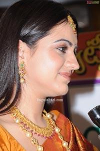 Aksha Photo Gallery at CMR Jewellery