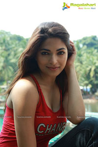 Parvathy Omanakuttan in David Billa