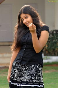 Silanthi Monica Poster Size Photos