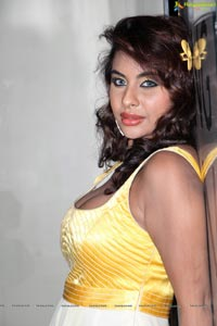 Srilekha Reddy in Hot Dress at Kismet Pub