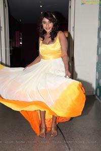 Srilekha Reddy in Hot Dress at Kismet Pub