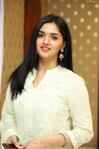 Kaali Actress Sunainaa