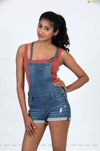 Sravani Yadav Telugu Heroine