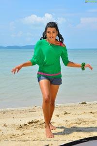 Tashu Kaushik Maldives Telugabbayi