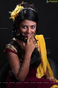 Beautiful Telugu Heroine Rakshitha