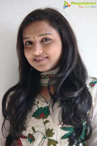 Thuppakki Deepthi Nambiar