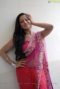Veena Malik High Resolution Photos
