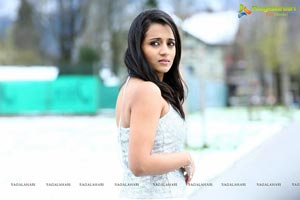 Trisha in Endrendrum Punnagai
