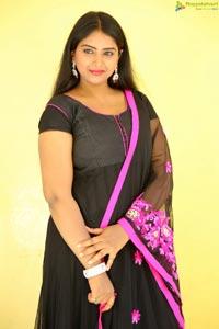 Telugu Cinema Actress Poorni