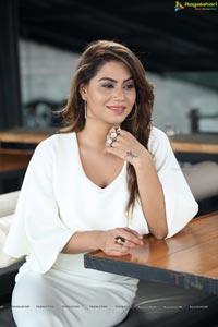 Model Tanya Desai