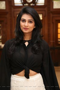 Jaya Karnani Mundhra