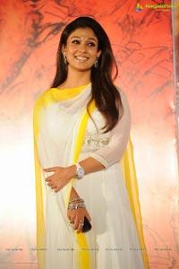 Nayantara Krishnam Vande Jagadgurum