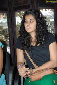 Red FM Model Taapsee