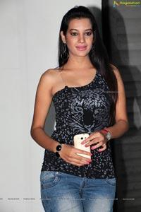 Beautiful Diksha Panth Photos