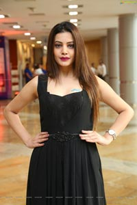 Diksha Panth Bigg Boss