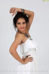 Telugu Heroine Khushboo Naaz