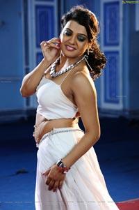 Tashu Kaushik in Glamorous White Dress