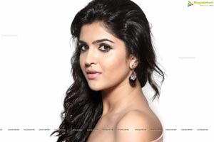 Canon 5D Indian Actress Deeksha Seth Sample Photos