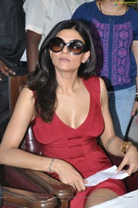 Sushmita Sen Sleeveless Dress