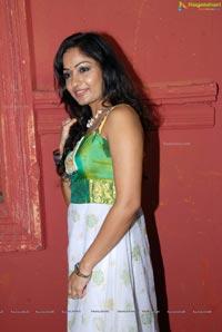 Madhavilatha Choodalani Cheppalani
