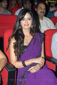 Heroine Meenakshi Dikshit