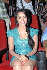 Priya Anand English Vinglish